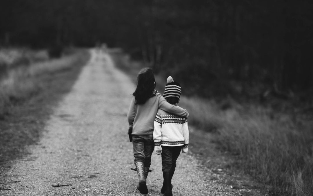 «In questa convivenza umana assai colma di errori e di sofferenze, ci confortano la fede non simulata e la solidarietà di veri amici» (De Civitate Dei 19,8).