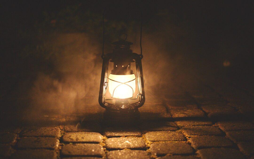 Olio per far luce: la parabola delle dieci vergini